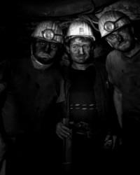 Kömür karası hayatlar...