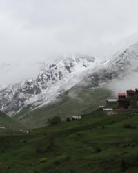 Doğu Karadeniz beyaz örtüye büründü