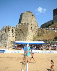 """""""Uluslararası Plaj Voleybolu Turnuvası"""" başladı"""