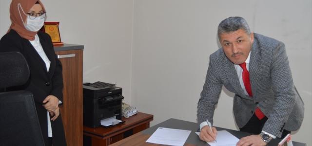 AK Parti Bartın İl Başkanı Turhan Kalaycı mazbatasını aldı