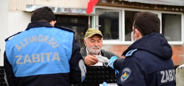 Altınordu Belediyesi 30 bin ücretsiz maske dağıttı