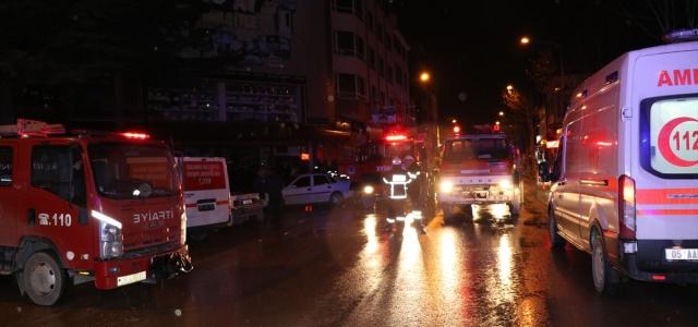 Amasya'da bir alışveriş merkezinde yangın çıktı