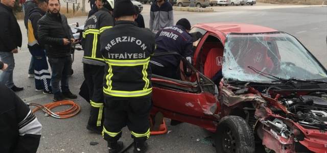 Amasya'da iki ayrı trafik kazasında 4 kişi yaralandı