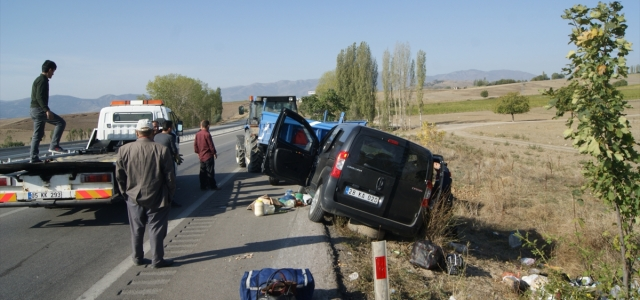 Amasya'da trafik kazası: 2 yaralı