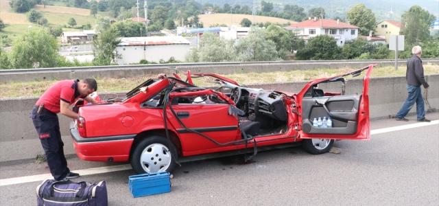 Anadolu Otoyolu'nda otomobil karşı yöne geçti: 1 ölü, 2 yaralı