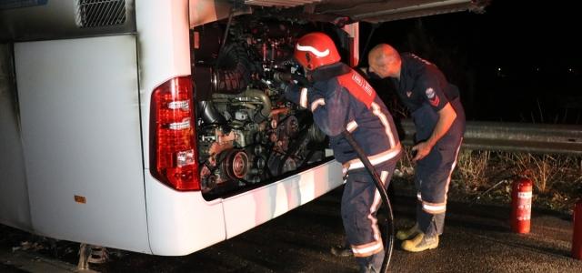 Anadolu Otoyolu'nda seyir halindeki yolcu otobüsünde çıkan yangın söndürüldü