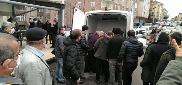 Apartmanda çıkan yangında hayatını kaybeden kadının cenazesi toprağa verildi