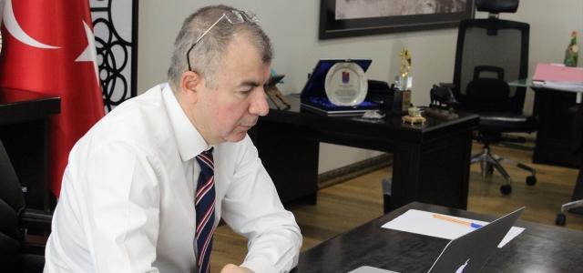 Artvin Valisi Doruk, kayın mantarı üretim tesisinde yerinde incelemelerde bulundu