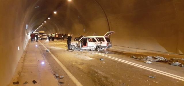 Artvin'de tünelde zincirleme trafik kazası: 4 yaralı