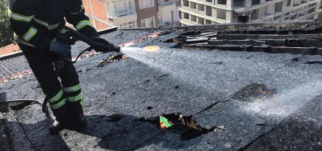 Bafra'da çatı yangını