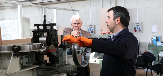 BAİBÜ akademisyenleri bor madeninden süper iletken tel yaptı