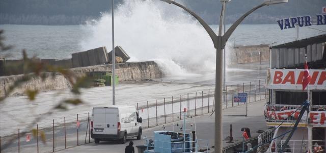 Bartın'da rüzgar nedeniyle balıkçılar denize açılamadı