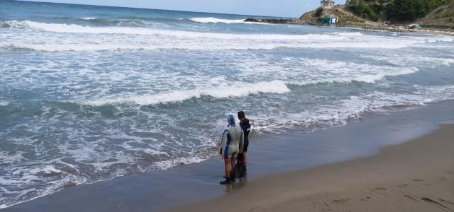 Boğulma tehlikesi geçiren 3 kişiden 2'si kurtarıldı, biri kayboldu