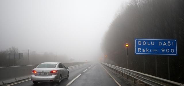Bolu Dağı'nda sağanak ve yoğun sis etkili oluyor