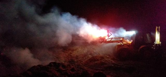 Bolu'da odunluk ve balya yangını