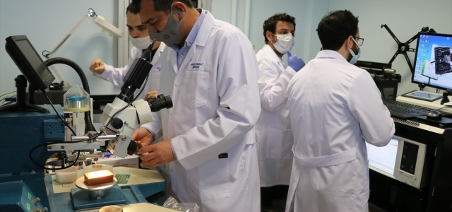 Bolu'daki araştırma merkezinde bilim adamları
