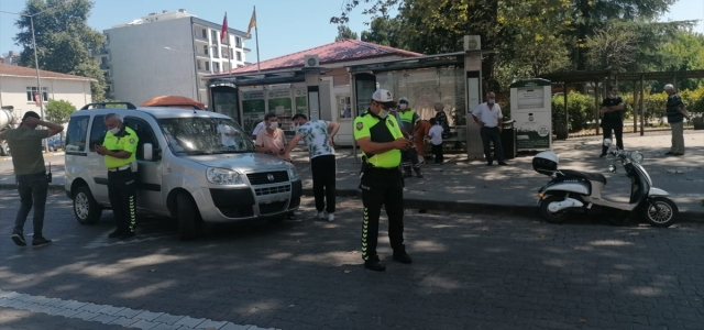 Çarşamba'da hafif ticari aracın çarptığı motosiklet sürücüsü yaralandı