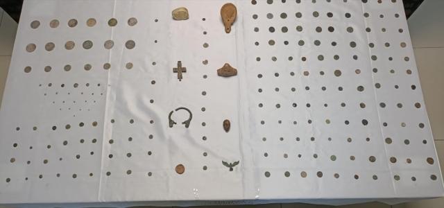 Çorum'da iki operasyonda 244 parça tarihi eser ele geçirildi