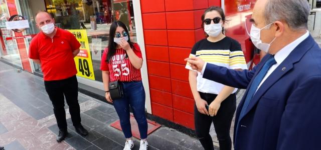 Düzce Valisi Dağlı'dan sokakta maske denetimi