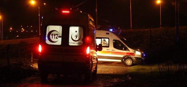 Düzce'de dere yatağına devrilen otomobildeki 3 kişi yaralandı