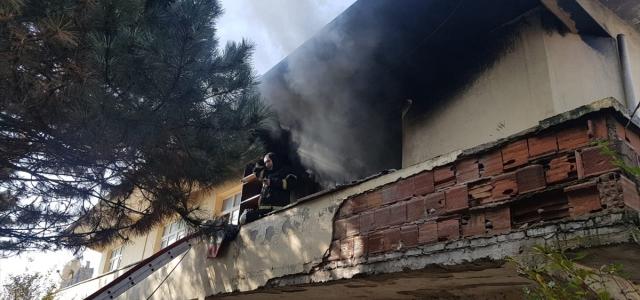 Düzce'de ev yangını hasara yol açtı