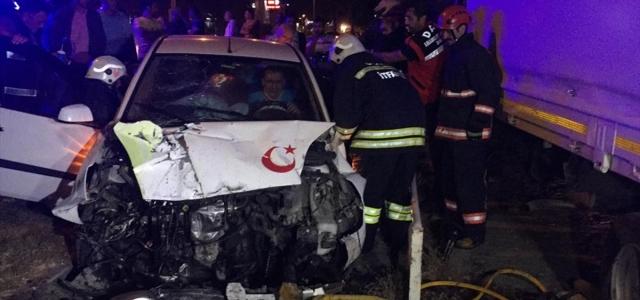Düzce'de iki otomobil çarpıştı: 1 yaralı