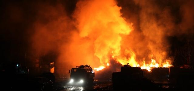 Düzce'de kereste fabrikasında yangın çıktı