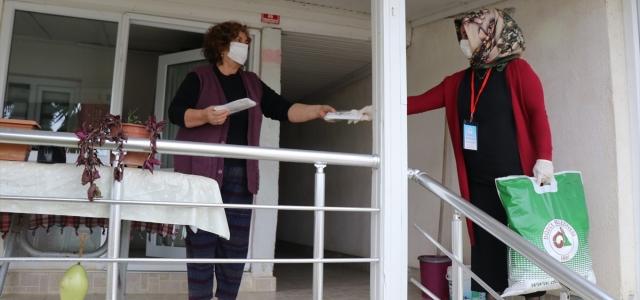 Düzce'de koronavirüsle mücadelede kent nüfusunun 8 katı maske üretildi