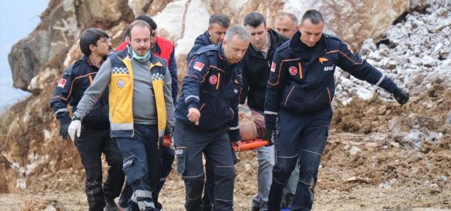 Düzce'de meydana gelen toprak kaymasında 1 işçi yaralandı