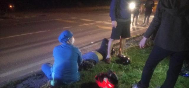 """Düzce'de polisin """"Dur"""" ihtarına uymayarak kaçan motosiklet sürücüsü kaza yaparak yaralandı"""