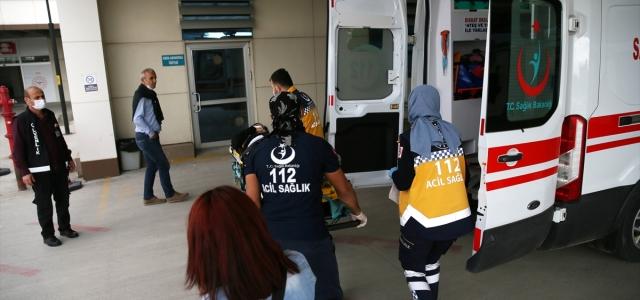 Düzce'de üst geçitten yola düşen çocuk ağır yaralandı