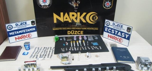 Düzce'deki uyuşturucu operasyonunda 3 kişi tutuklandı