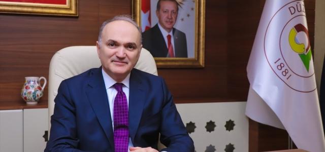 Eski Fenerbahçe Başkanı Aziz Yıldırım'ın isminin Düzce'de bir caddeye verilmesi planlanıyor