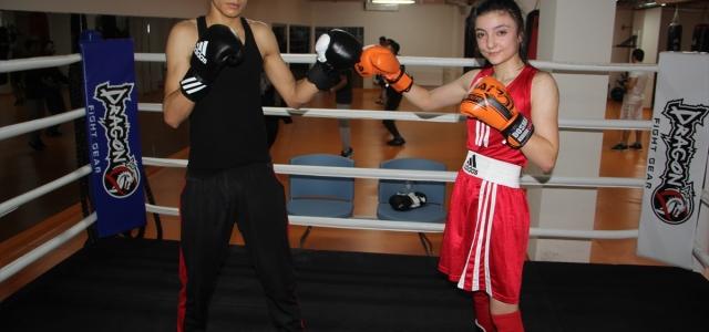 Genç boksör Çiğse Demir, hayallerini gerçekleştirmek için çok çalışıyor
