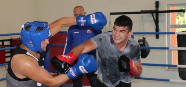 Genç milli boksörlerin kampı, Kastamonu'da devam ediyor