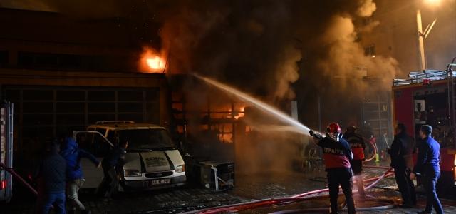 Giresun'da bir iş yeri yandı
