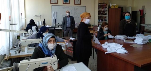 Giresun'da maske ve siperlik üretimi yaygınlaşıyor