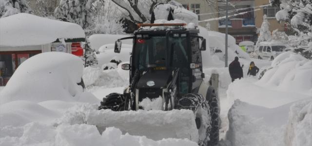 Görele ilçesinde kar yağışı etkili oluyor