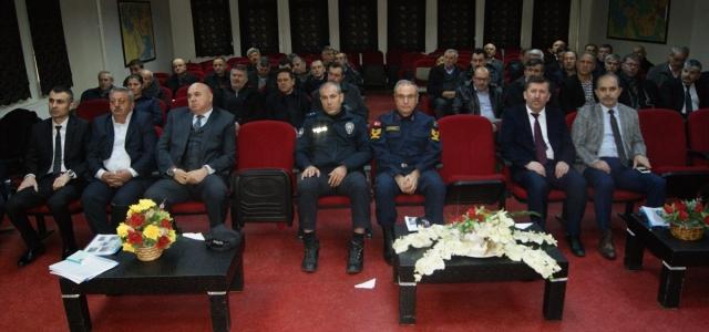 Gümüşhacıköy'de muhtarlara hizmet içi eğitim semineri verildi