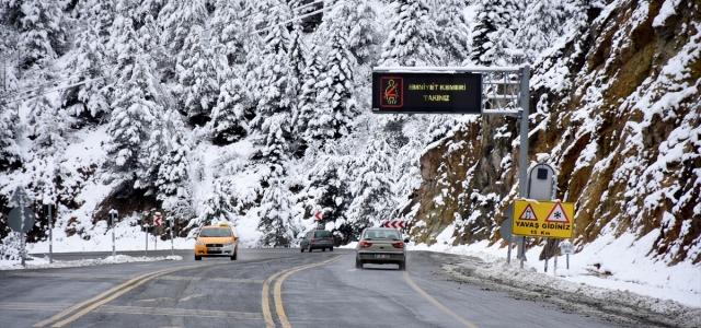 Gümüşhane'de 39 köy yolu kar nedeniyle ulaşıma kapandı