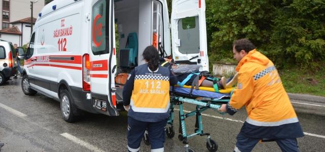 İnebolu'da trafik kazası: 2 yaralı