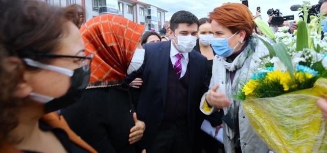 İYİ Parti Genel Başkanı Akşener, Düzce'de ziyaretlerde bulundu