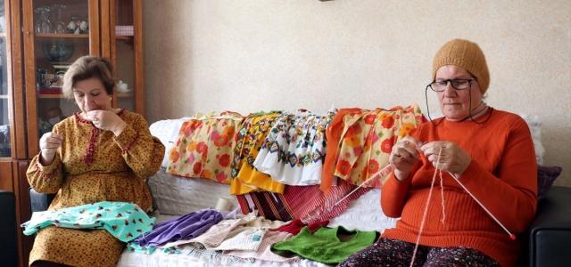 Kadınlar evdeki boş zamanlarını hayır için değerlendiriyor