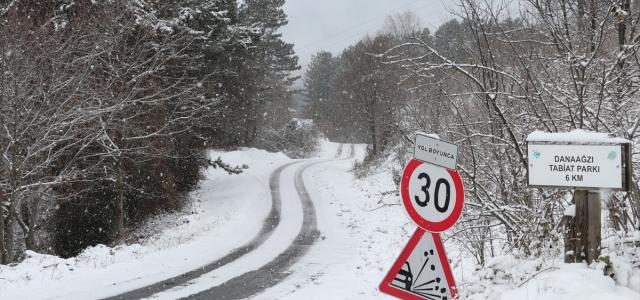 Kar yağışı nedeniyle 6 ilde 607 köy ve mahalle yolu ulaşıma kapandı
