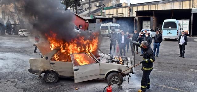 Karabük'te itfaiyeden araç yangını tatbikatı ve eğitimi