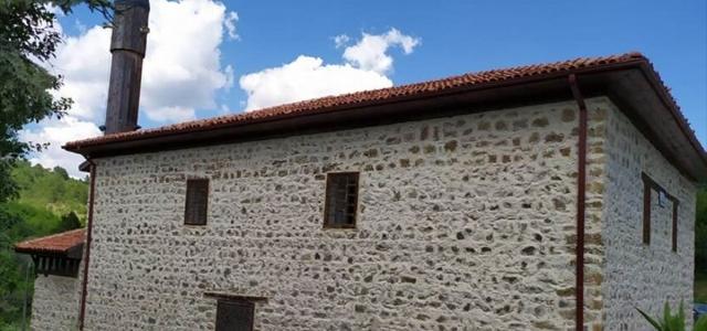 Kastamonu Vakıflar Bölge Müdürü Pınar, 569 yıllık Küre-i Hadid Camisi'ni ziyaret etti