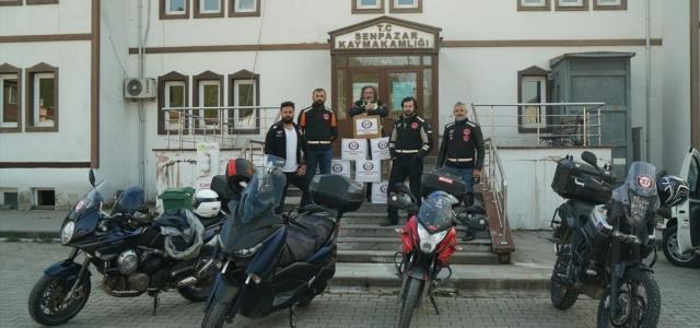 Kastamonu'da motosiklet tutkunları ramazan ayında erzak kolisi dağıtıyor
