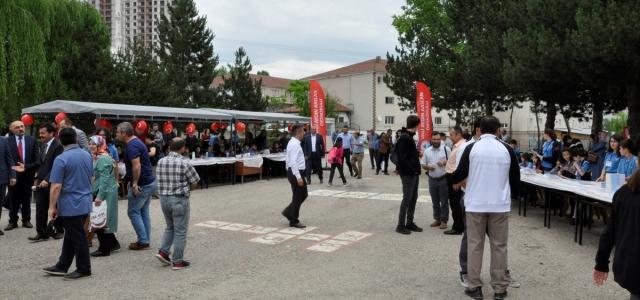 Kastamonu'da ortaokul öğrencileri imza günü düzenledi