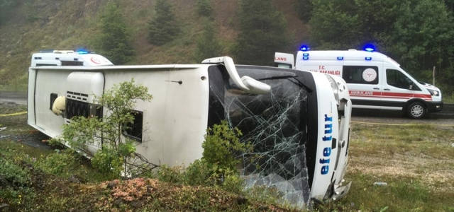 Kastamonu'da yolcu otobüsü devrildi: 13 yaralı