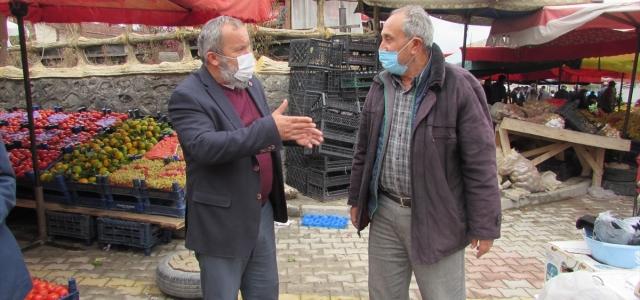 Kavak Pazarcılar Derneği Başkanı Şahin, pazarda Kovid-19 önlemlerini denetledi